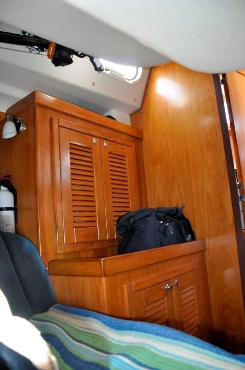 35' Catalina 350+Photo 34