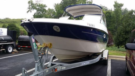 2005 Bayliner 249 Sun Deck