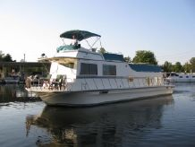 1986 Harbor Master 520 Houseboat