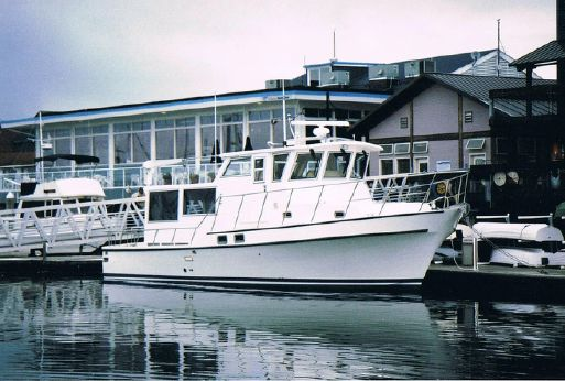 2004 Fibercraft Raised Pilothouse