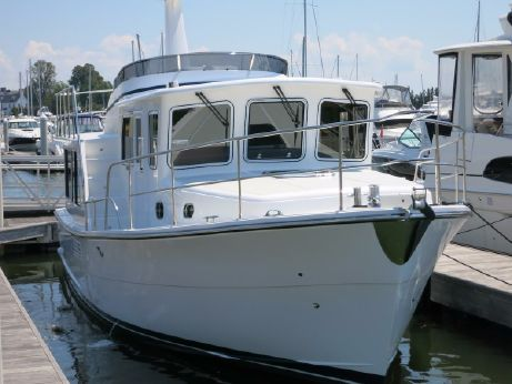 2018 Helmsman Trawlers 38E Pilothouse