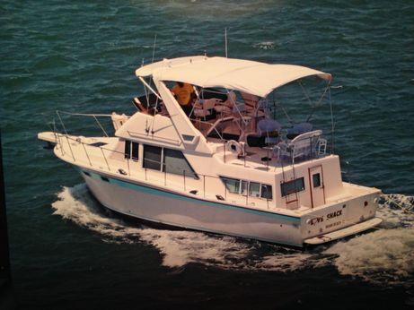 1980 Chris Craft Corinthian Sun Deck trawler