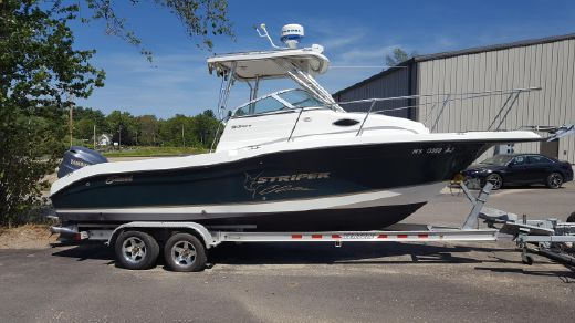 2004 Seaswirl Striper 2301 Walkaround OB