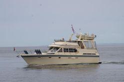 photo of  48' Hi-Star Sundeck Cruiser