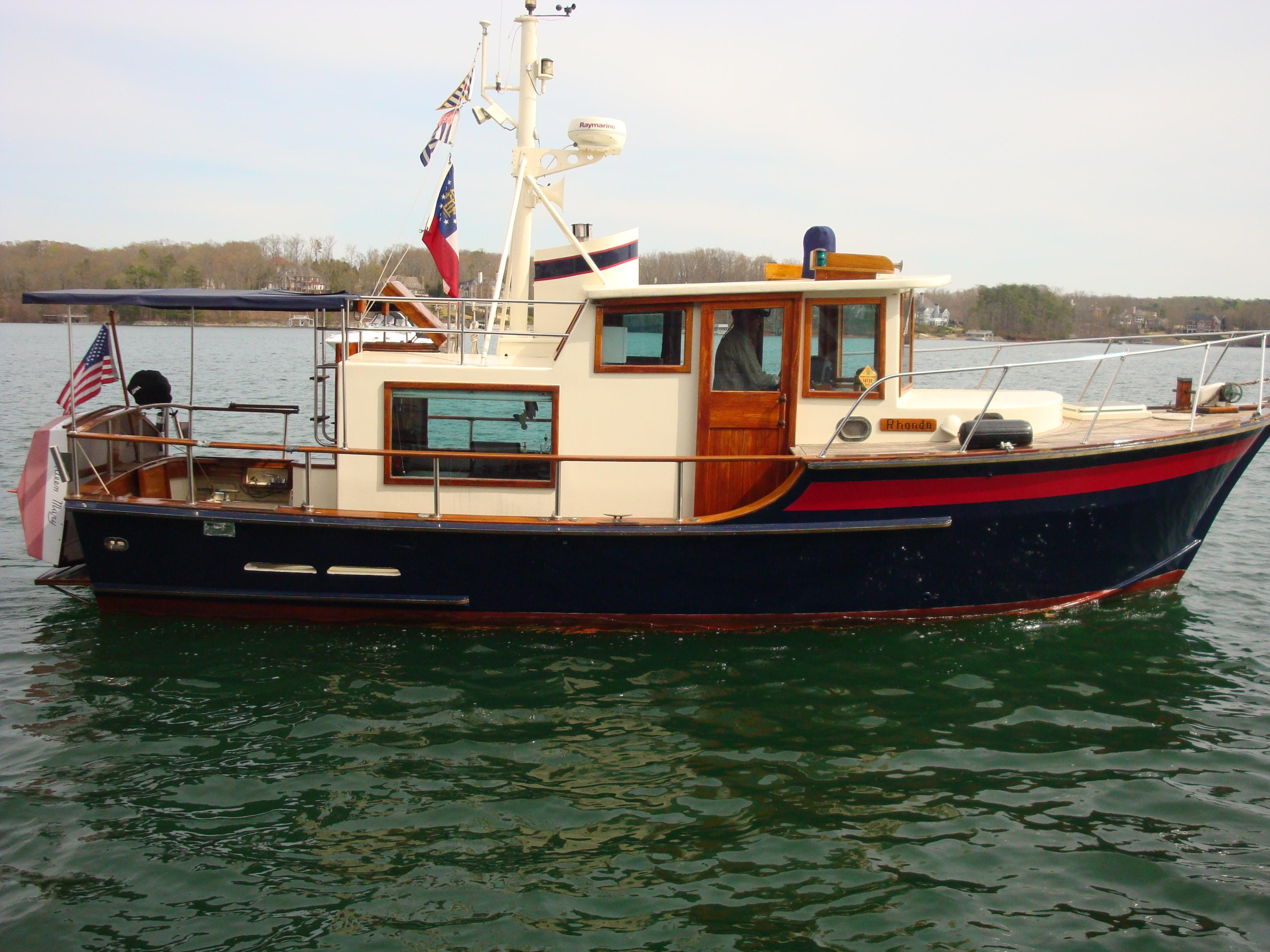 32 ft 1988 custom 32 trawler