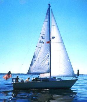 1983 C&C 32