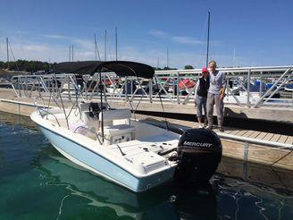 2016 Boston Whaler 180 Dauntless