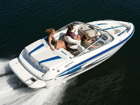 2009 Glastron 225 Bow Rider