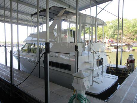 1996 Carver 370 Aft Cabin