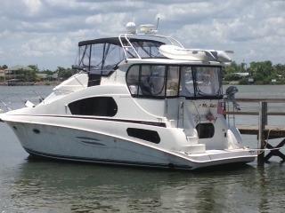 2004 Silverton 39 Flybridge Motor Yacht