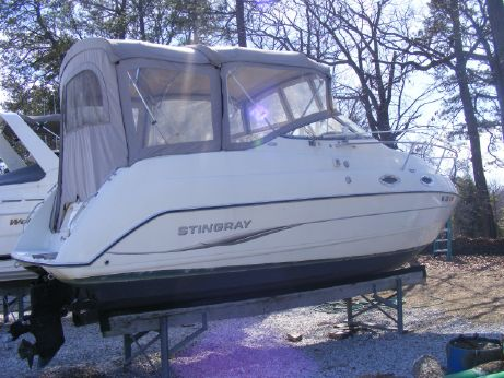 2005 Stingray CS 240