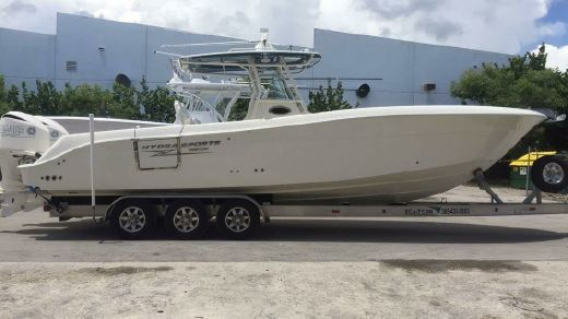 2014 Hydra-Sports Custom 3400 Center Console