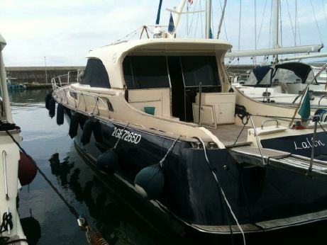 2004 Mochi Craft Dolphin 51