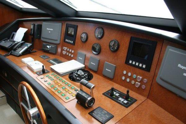 photo of 90' Falcon 90