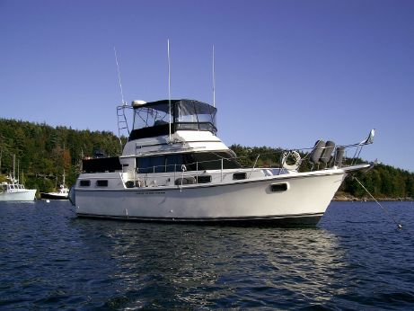 1985 Carver Yachts Aft Cabin Cruiser