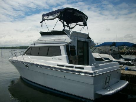 1990 Chris-Craft 315 Commander