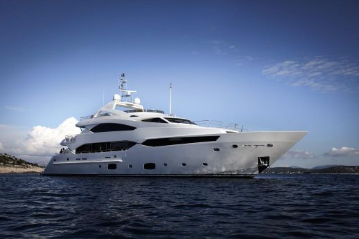 2015 Sunseeker 40M Yacht
