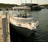 2005 Boston Whaler 30 Conquest