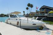 photo of 31' Regal 3060 Express Cruiser