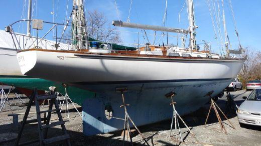 1983 Hinckley Bermuda 40