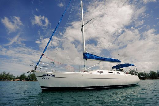 2007 One Design 37 ft Sloop