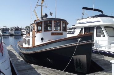 1986 Lord Nelson 37 Victory Tug