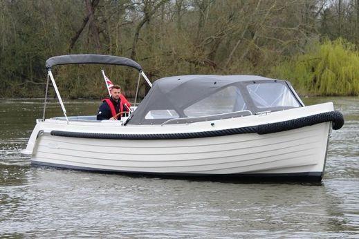 2018 Interboat Intender 820