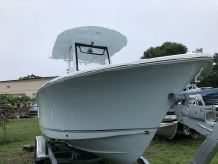 2019 Sea Hunt Ultra 235 SE