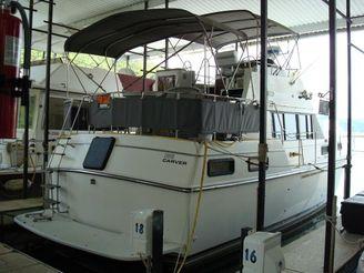 1985 Carver 36  Aft Cabin