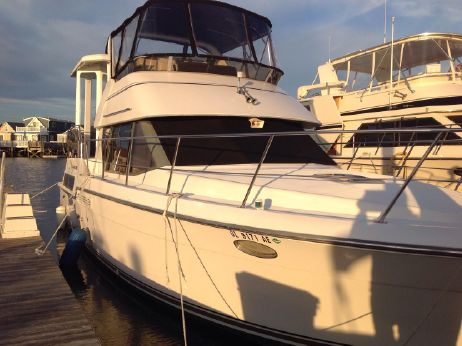1994 Carver Yachts 39 CPMY