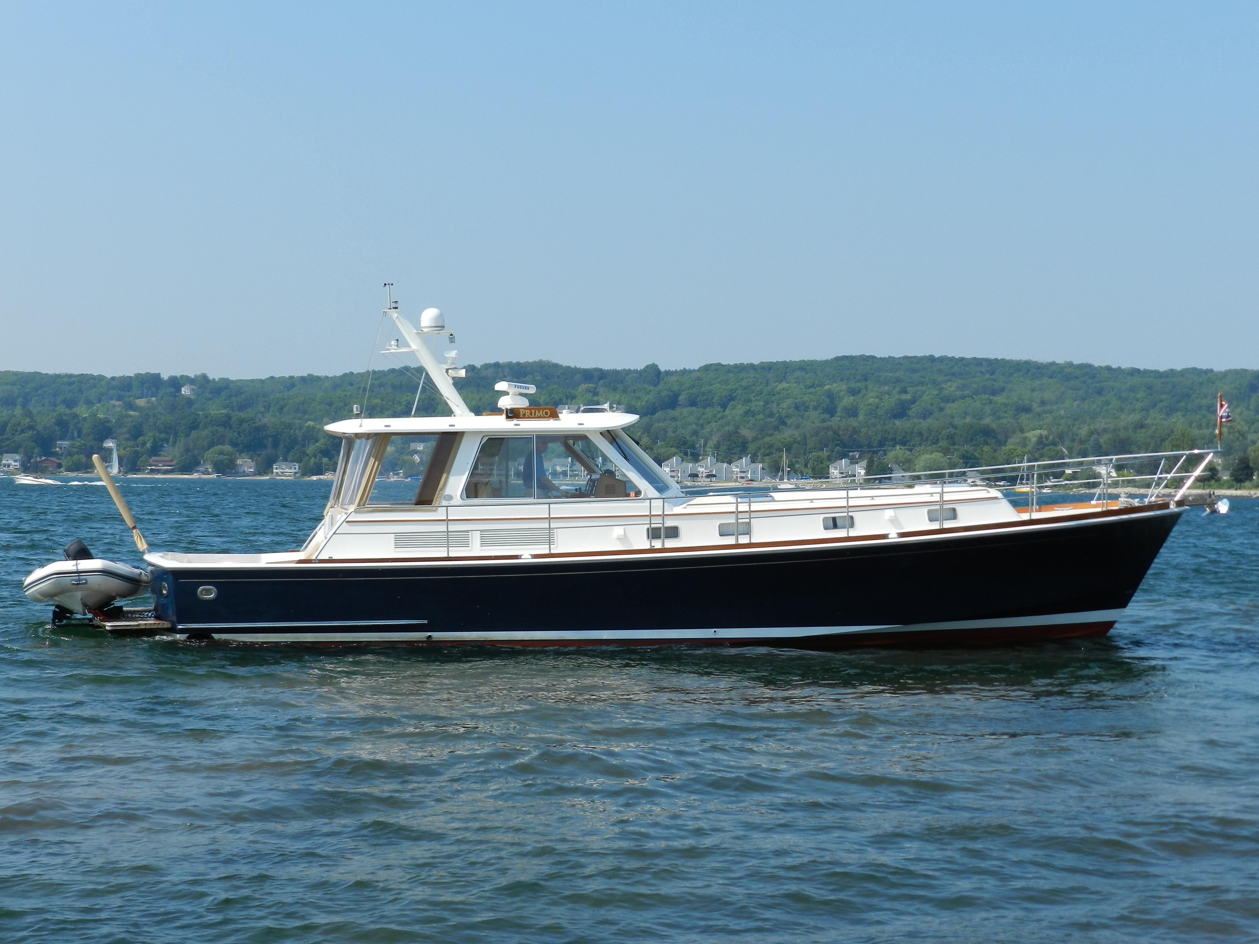 49 ft 2001 grand banks 49 eastbay br8032
