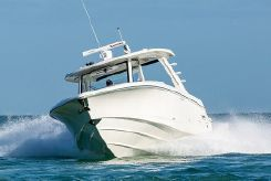 2020 Boston Whaler 350 Realm