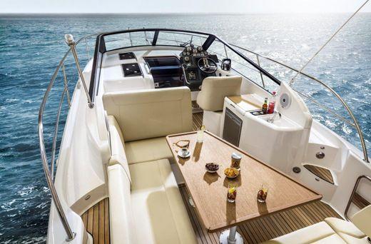 2015 Bavaria Motor Boats sport 300