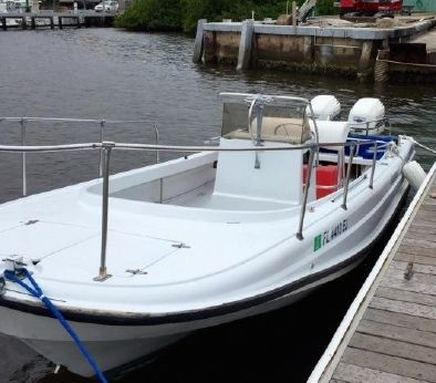 1989 Boston Whaler 21 Outrage