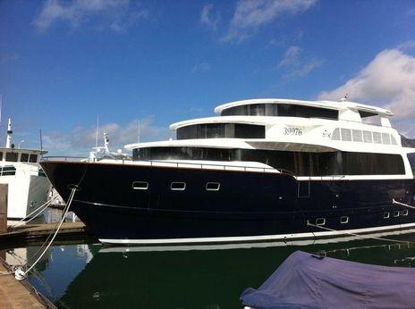 2006 Bondway Yachts Houseboat
