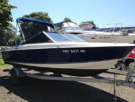 2010 Bayliner 195 Discovery