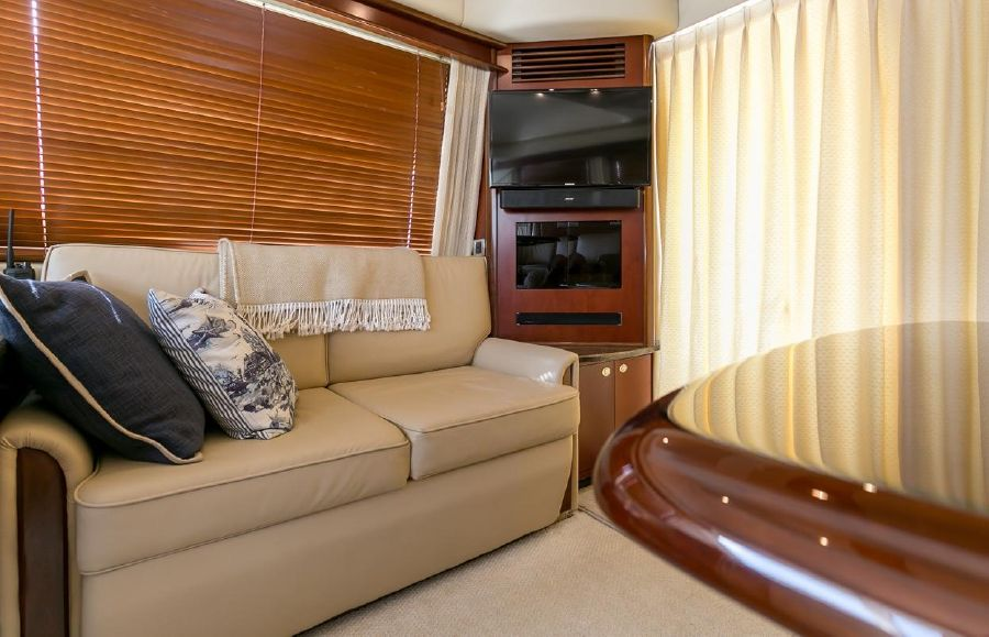 Sea Ray 44 Sedan Interior Salon