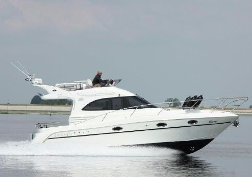 2005 Galeon 330 Fly Bridge