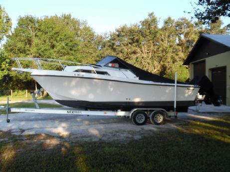 1989 Mako 248 Walk Around - Repowered