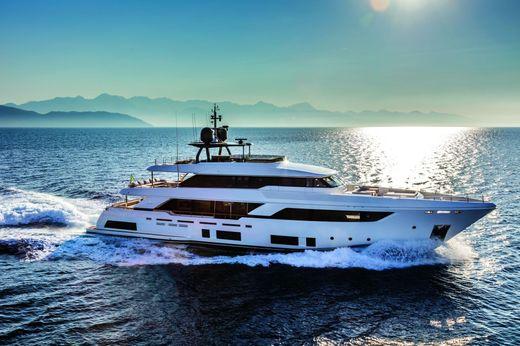 2017 Custom Line Navetta 37