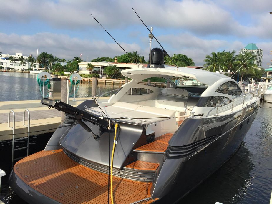 2006 Pershing w/ Surface Drives Power Boat For Sale - www