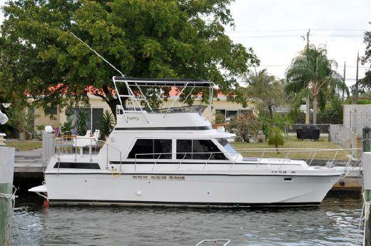 1982 Uniflite Double Cabin Motor Yacht