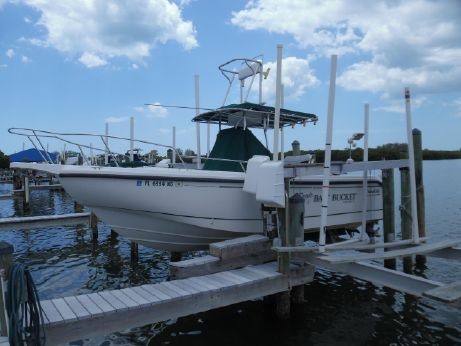 1998 Boston Whaler 260 Outrage