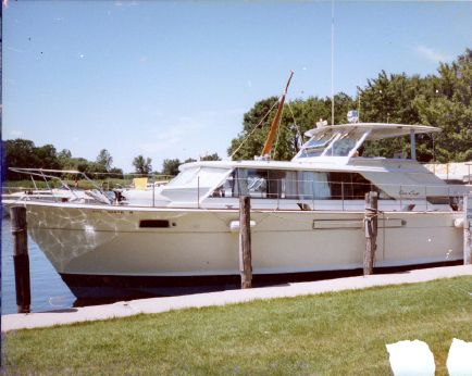 1968 Chris-Craft 42 Commander Motor Yacht