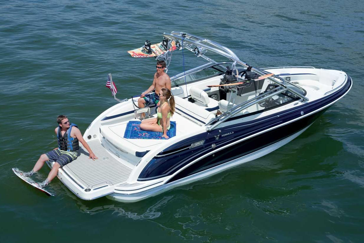 2018 formula 240 bowrider power boat for sale www for Bowrider boats with outboard motors