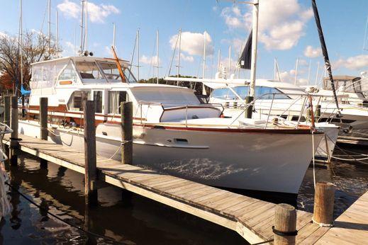1960 Matthews Double Cabin Motor Yacht