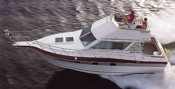 Benton Harbor (MI) United States  City pictures : 1988 Cruisers Yachts 3380 Esprit Power Boat For Sale www.yachtworld ...