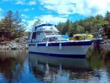 1986 Chris Craft 410 Commander
