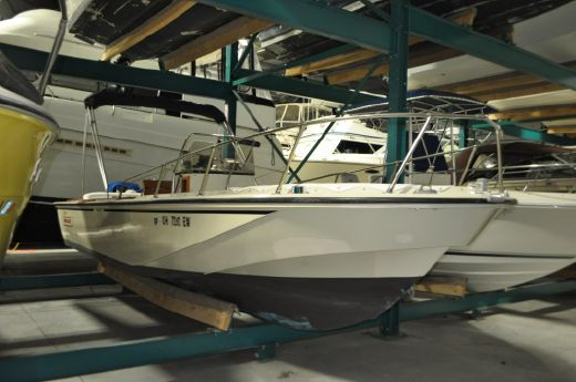 1984 Boston Whaler 22 Outrage