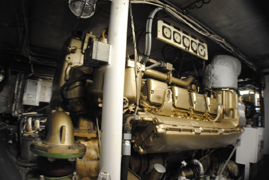 Striker 70 Sportfisher Mercedes Diesel Engines